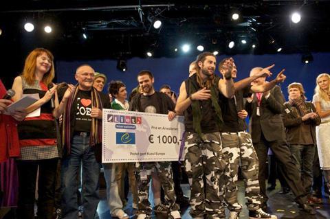 i R.Esistence in Dub a ritirin il premi al Liet Festival