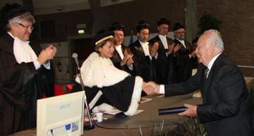 Collavino riceve la laurea honoris causa