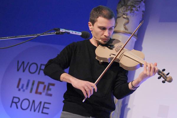 Frattini cul Stradivari 3D a Rome.